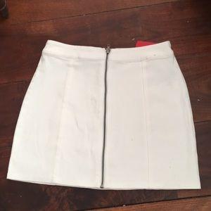 Dresses & Skirts - NEW! Stretchy denim ivory mini skirt